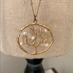 Jewelry - Sparkly Disc Pendant Necklace